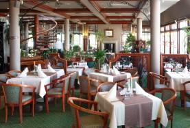 Sala restauracji nad brzegiem morza - Mielno